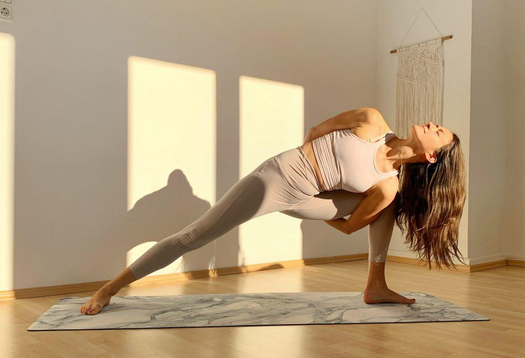 Business Yoga Düsseldorf mit Wina